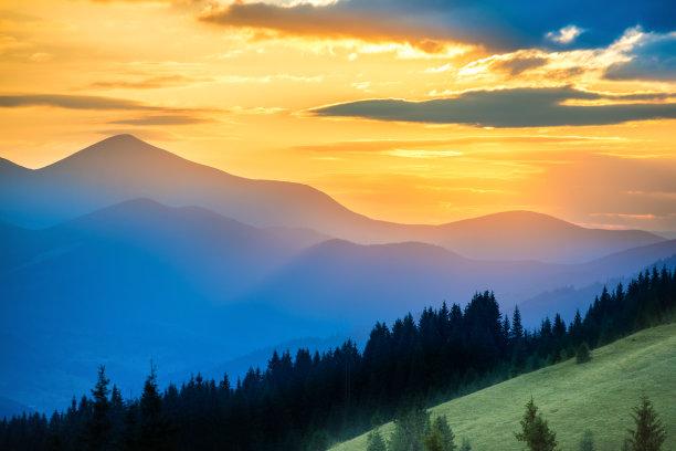 自然美山脉天空