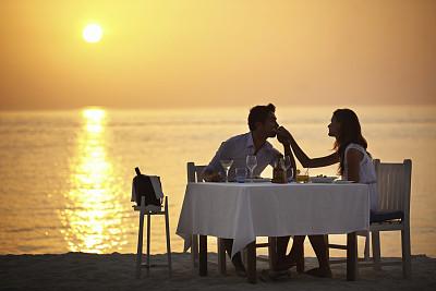 生活方式伴侣海滩