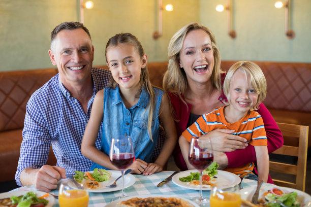 快乐餐馆家庭
