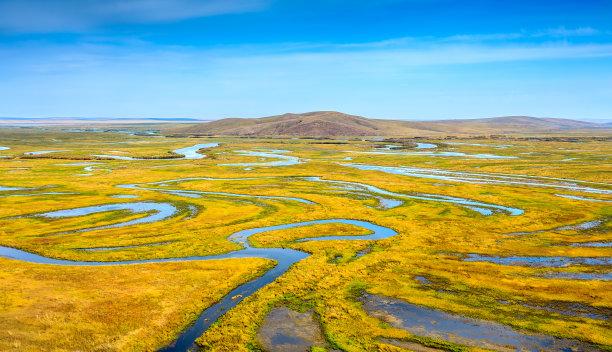 湿地漩涡形小溪