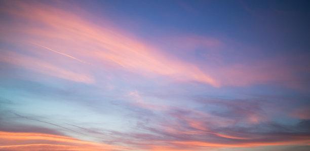 空中的彩霞