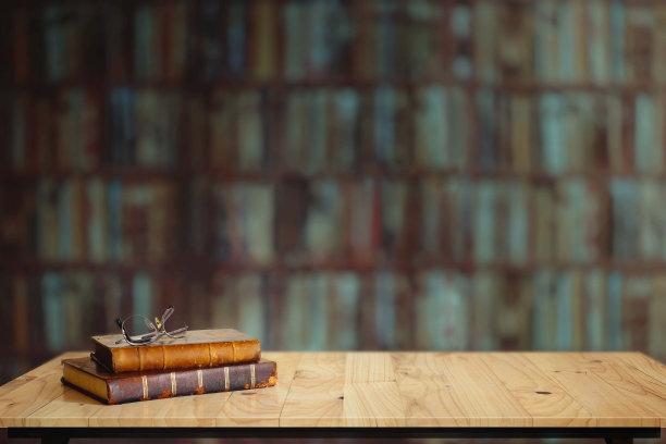书桌子图书馆