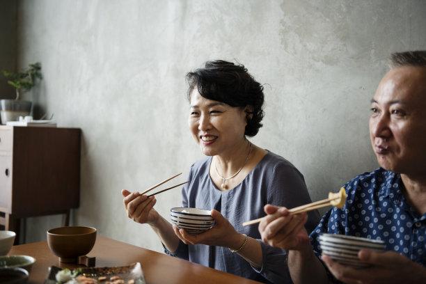 吃饭的日本人