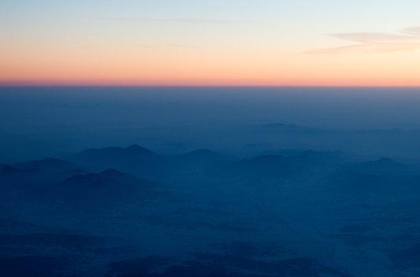 雪山脉航拍视角