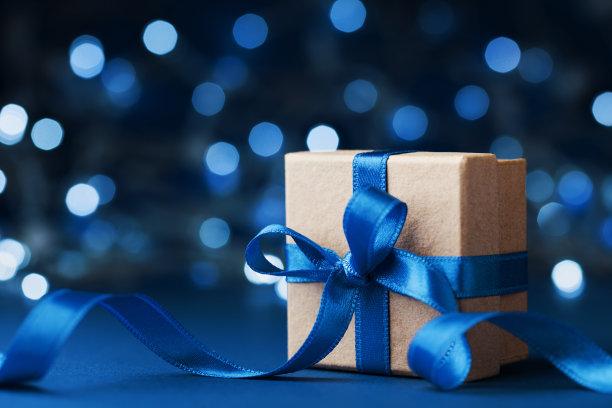 蓝色蝴蝶结礼盒