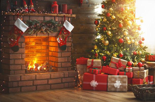 壁炉与圣诞树