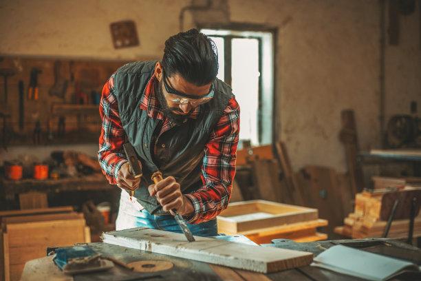 雕刻术木工雕塑
