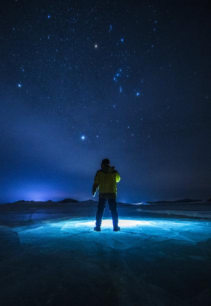 搜寻夜晚冰