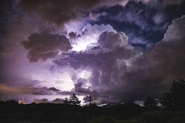 暴风雨夜晚意大利