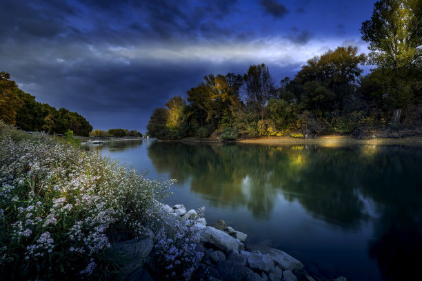 小的,多瑙河谷,夜晚
