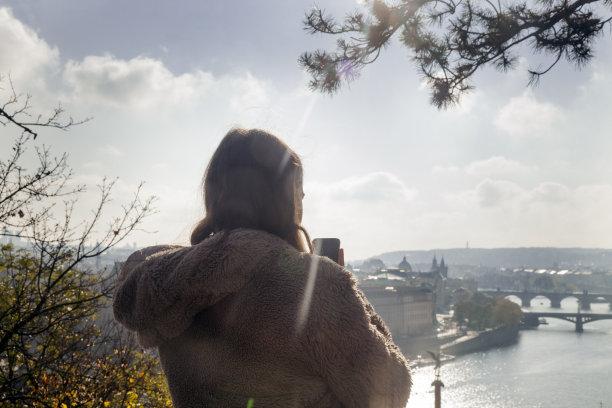 布拉格旅行者图片