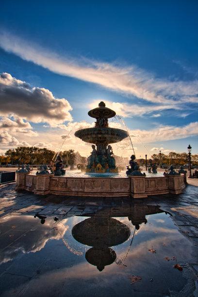 喷泉黄金巴黎