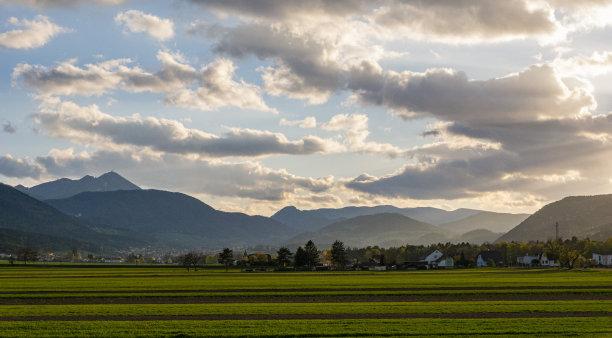 春天农业云景
