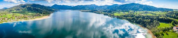 山林和湖泊