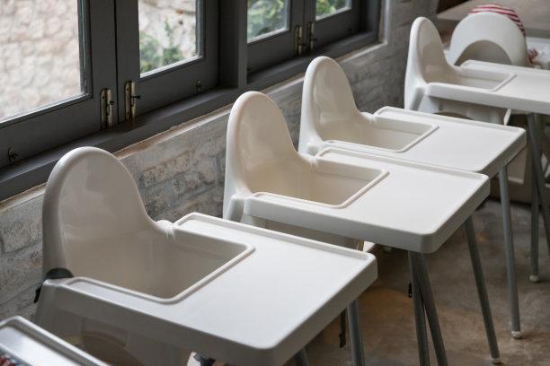 高脚椅餐馆婴儿