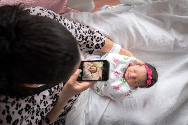 新生儿手机图片