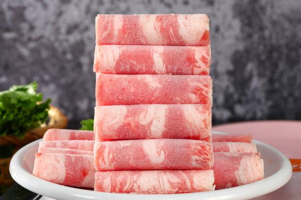 肉卷整齐的堆