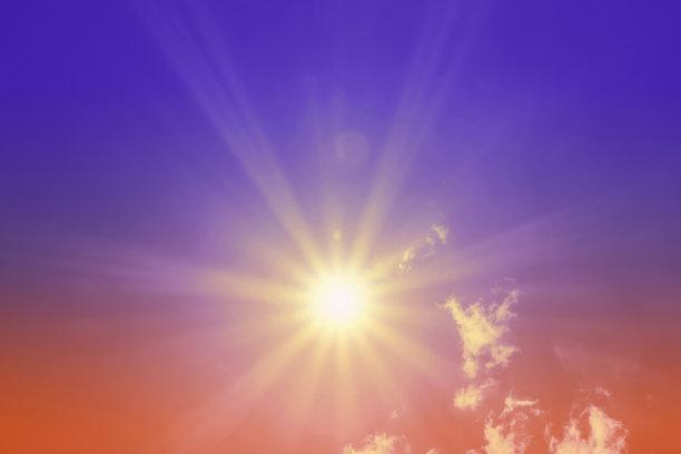 云,色彩鲜艳,日光
