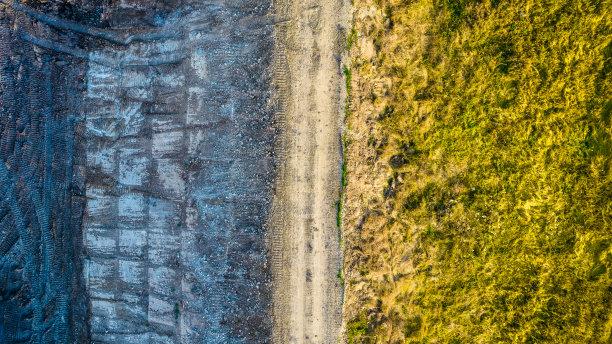 水坝航拍视角图片